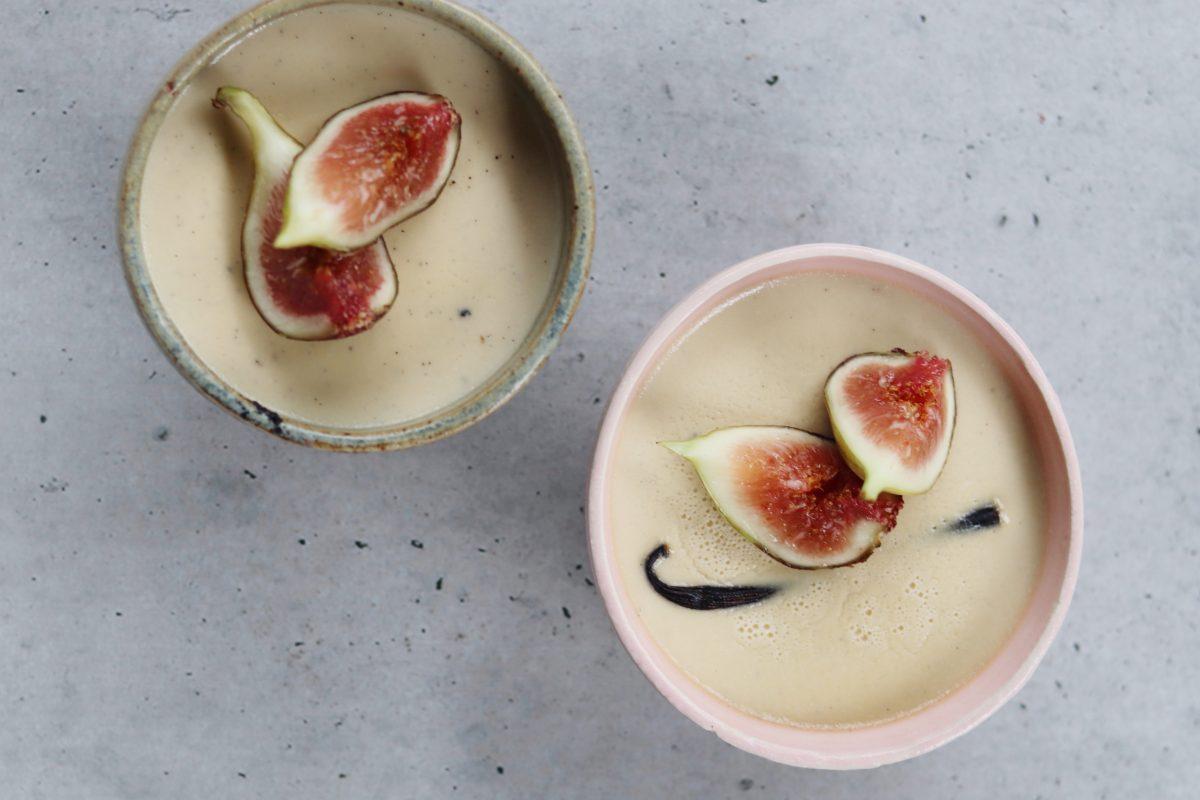 bowls of coconut vanilla custard